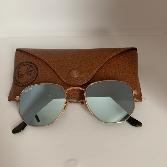 32b4f524680 Ray-Ban Hexagonal Flat Lenses in Silver Flash. M 5c5f0e12194dad907e4173c2.  Other Accessories ...